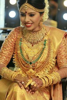 Tips for Selecting the Best Yellow Saree for Wedding