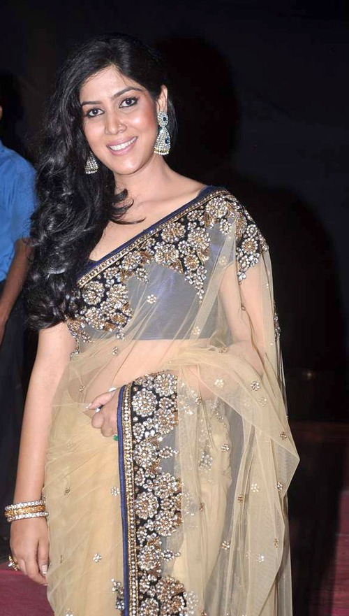 Tips for Wearing Saree for a Farewell Party