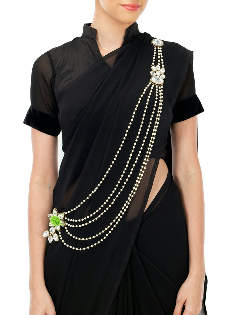 How To Wear a Saree Brooch?