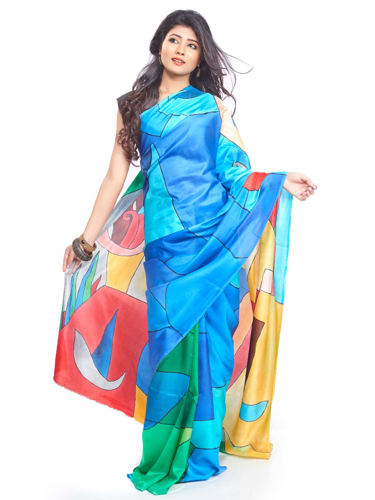 Wear Saree Pallu in Different Styles