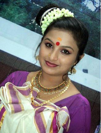 Wear Saree in Kerala Style